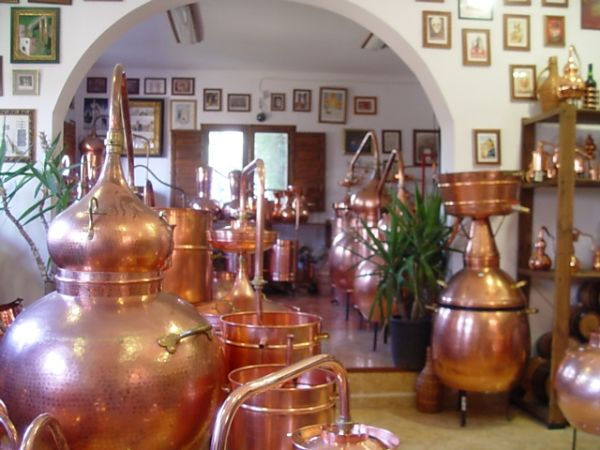 Stills up to 75 liters for export