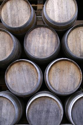 oak barrels for flavoring