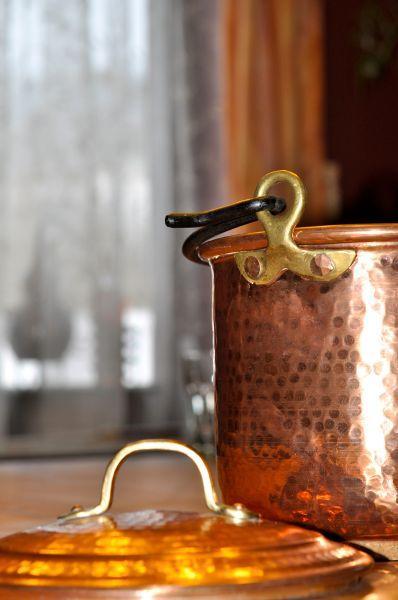 classy-copper-pot