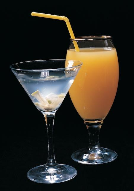 cocktails and other tasty alcoholic drinks