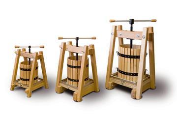 Pressoirs à fruits en bois de hêtre massif, fabrication artisanale répondant à de très hautes exigences de qualité, tailles de 10, 20 et 40 litres