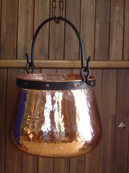 Chaudron en cuivre de la forge CopperGarden pour la cuisson sur feu nu
