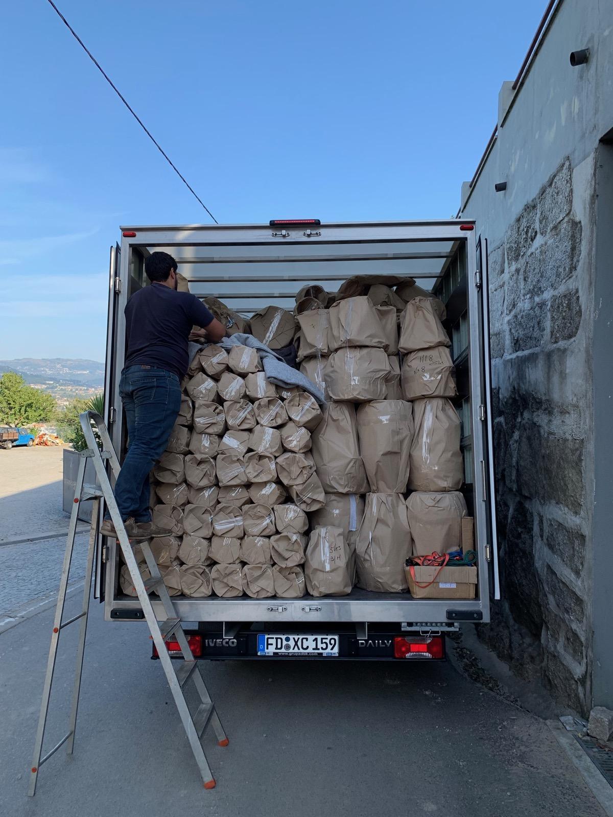 Fahrt mit Destillatio LKW