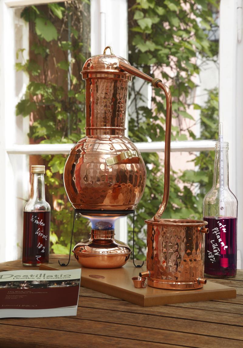 legal schnapsbrennen in sterreich bei destillatio finden sie die richtige destille dazu. Black Bedroom Furniture Sets. Home Design Ideas