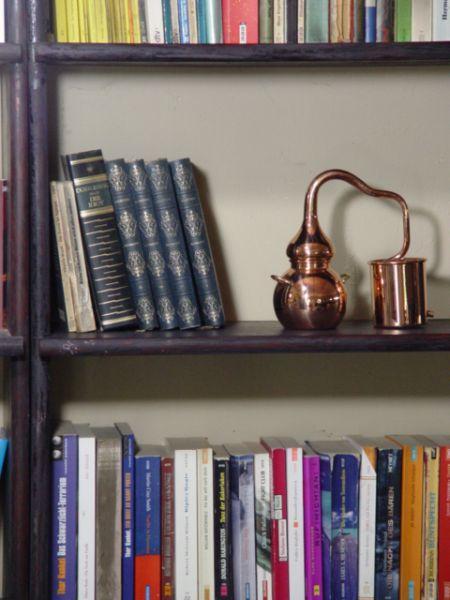 Bücher zum Destillieren, Schnapsbrennen und zur Herstellung ätherischer Öle