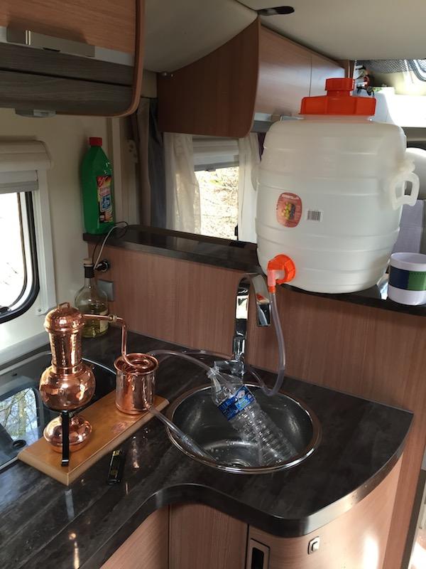 Destillieren im kleinen Raum