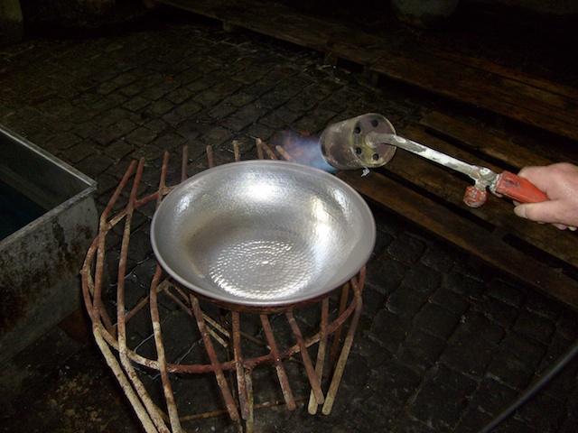 Neuverzinnen in der Destillatio Stammschmiede