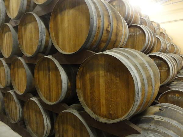 Fasslagerung in der Calvadosbrennerei