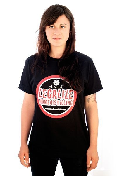 T-Shirt: Legalize Home Distilling (Größe S)